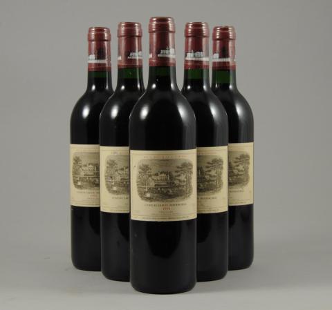 GRAND VIN   PAUILLAC, Château Lafite Rotschild, 1994. Cinq bouteilles. f15cbf09908b