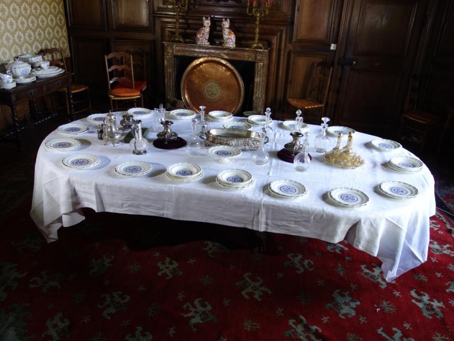 Merveilleux Grande TABLE De Salle à Manger à Allonges (20 Couverts),.